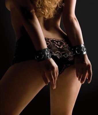 Наручники Leather Cuffs, черные