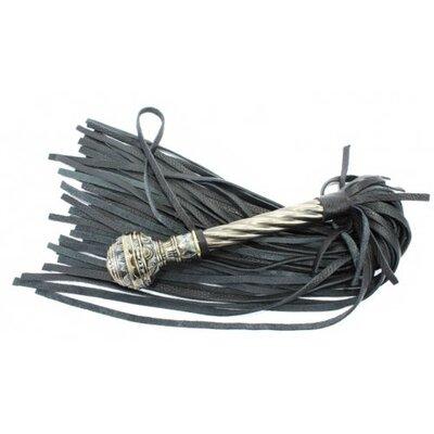 Роскошная плеть с витой ручкой в стиле готики